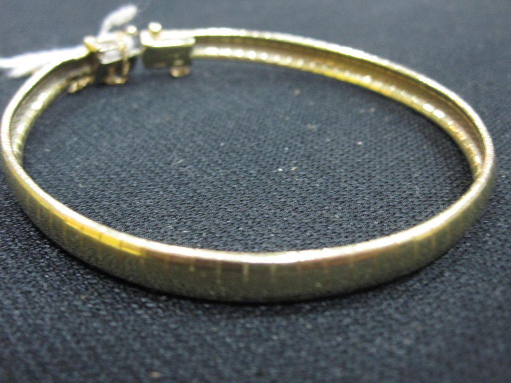 Stunning 14K Gold Bracelet