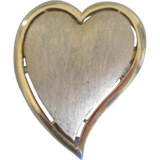 Gold tone Textured Signed Designer Trifari Heart Brooch Pin, Elegant!