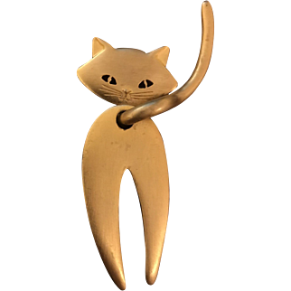 """Big 4""""  JJ Jonette Jewelry Golden Cat Pin/Brooch. The Cat Looks Back: He's turned so you see his face & Big Tail"""