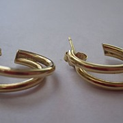 14K yellow gold pierced earrings