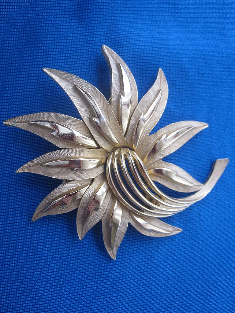 Brushed Gold Trifari Brooch