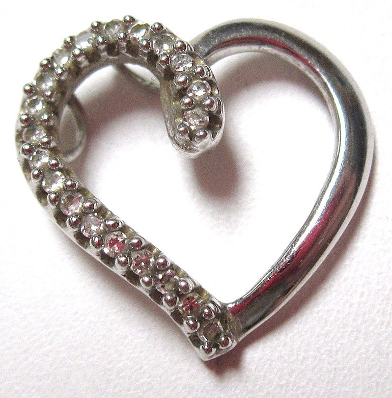 10K White Gold Diamond Heart for Necklace
