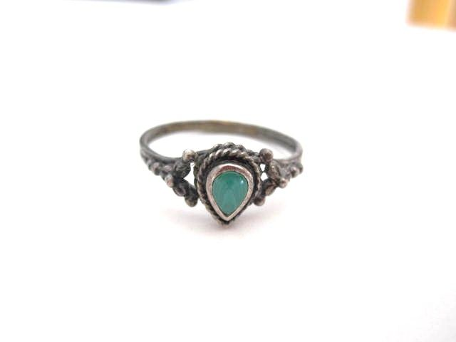 Vintage green tear drop shaped turquoise Sterling Silver Ring