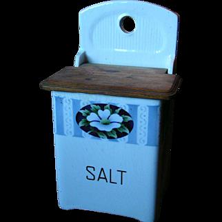 Lidded Salt cellar; uncommon German box form