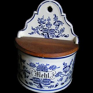 German Mehl (flour) Crock, kitchen box