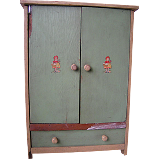 Doll wardrobe chest with personality