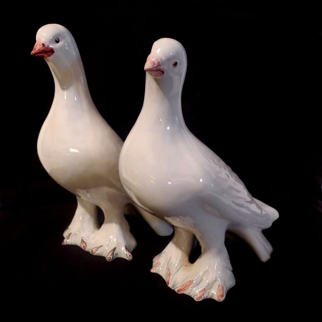 Vintage  Italian Pottery DOVES Pair