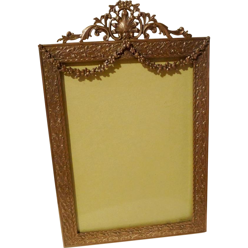 antique french style garland picture frame convex glass from theframelady on ruby lane. Black Bedroom Furniture Sets. Home Design Ideas