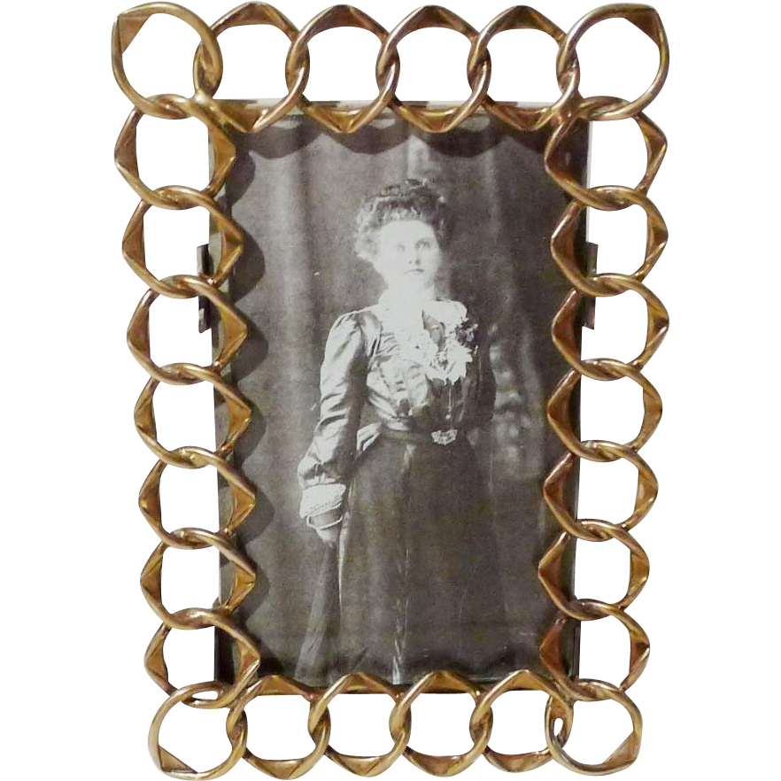 English Pointed RING CDV Picture Frame