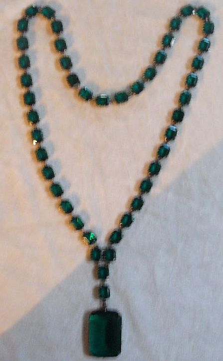 Very Special Emerald Paste Art Deco Necklace