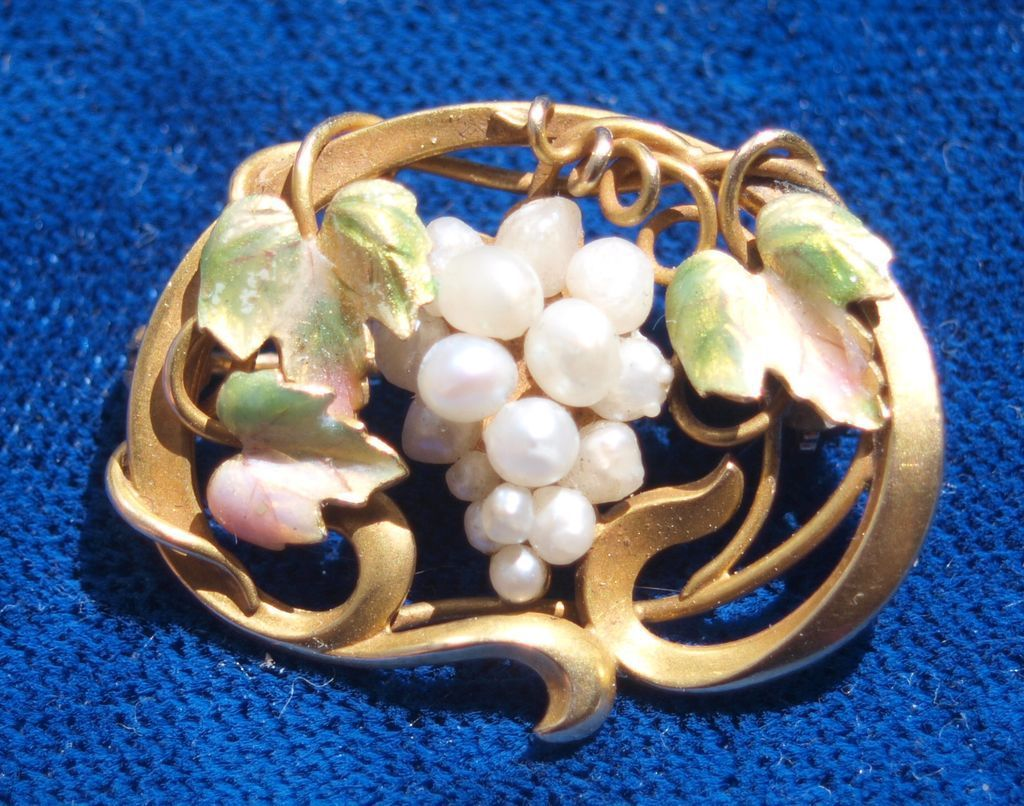 14k Iridescent Enamel Pearl Grape Cluster Pin