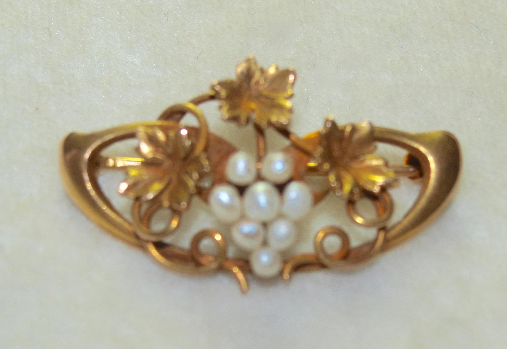 Small Edwardian Pearl Grape Pin in 10k Gold