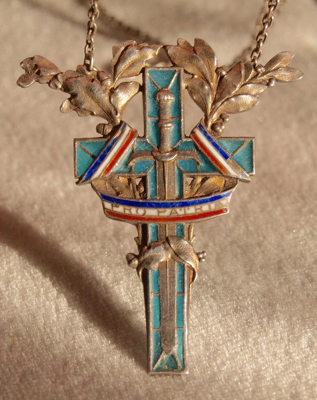 WW1 Plique A Jour Canadian PPCLI Pendant In Silver
