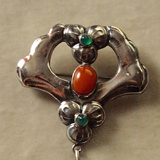 Skonvirke Arts and Crafts Chrysoprase and Amber Brooch