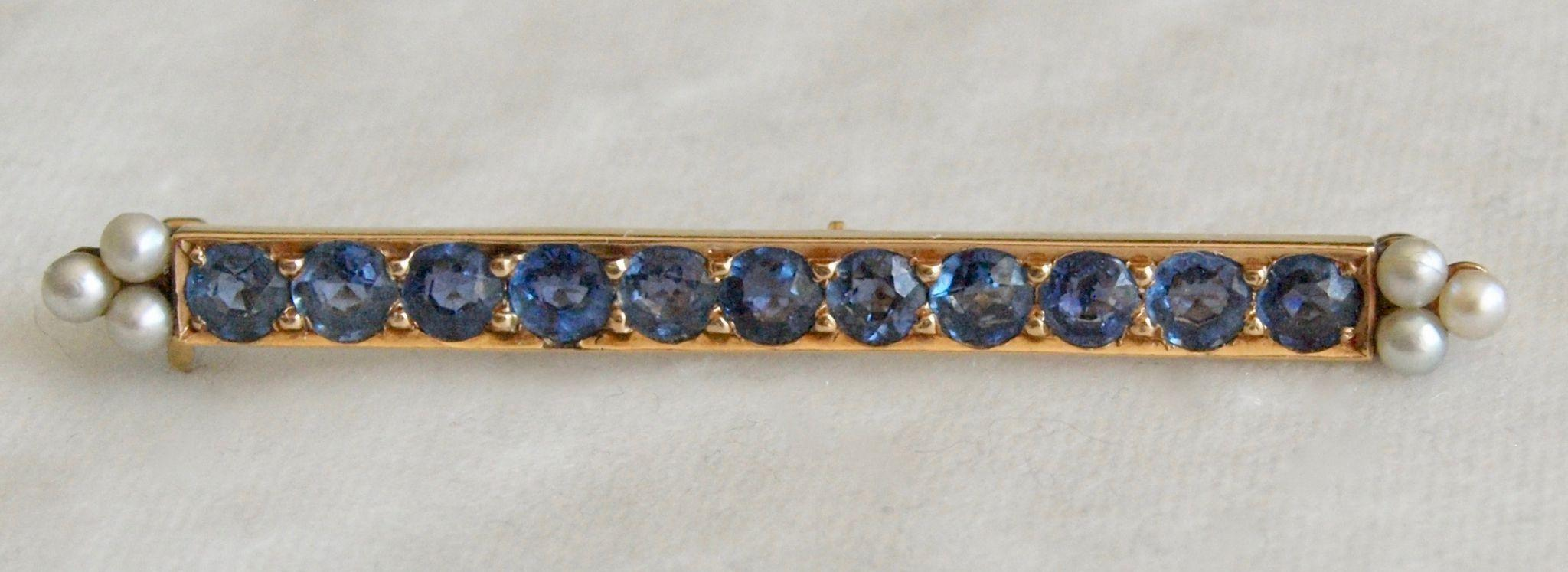 Cornflower Sapphire and Pearl Bar Pin