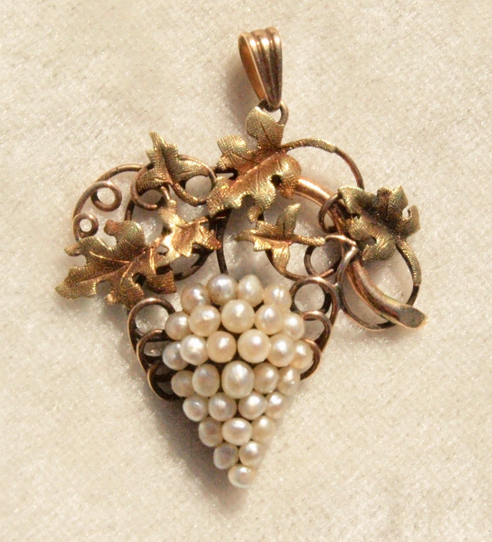 Victorian Natural Pearl Grapes Pendant