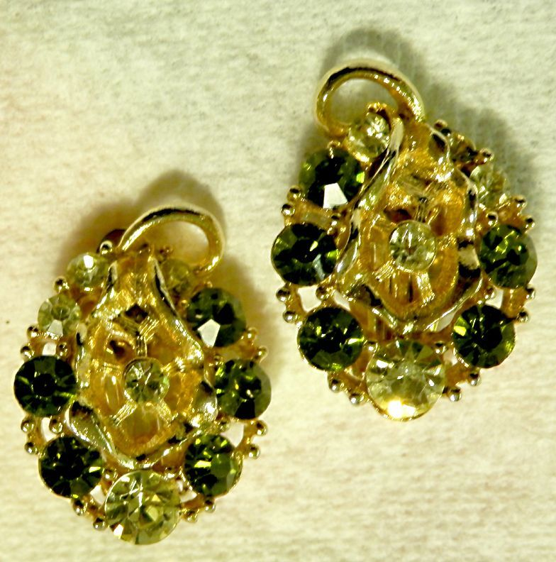 Lovely LISNER Rhinestone Earrings