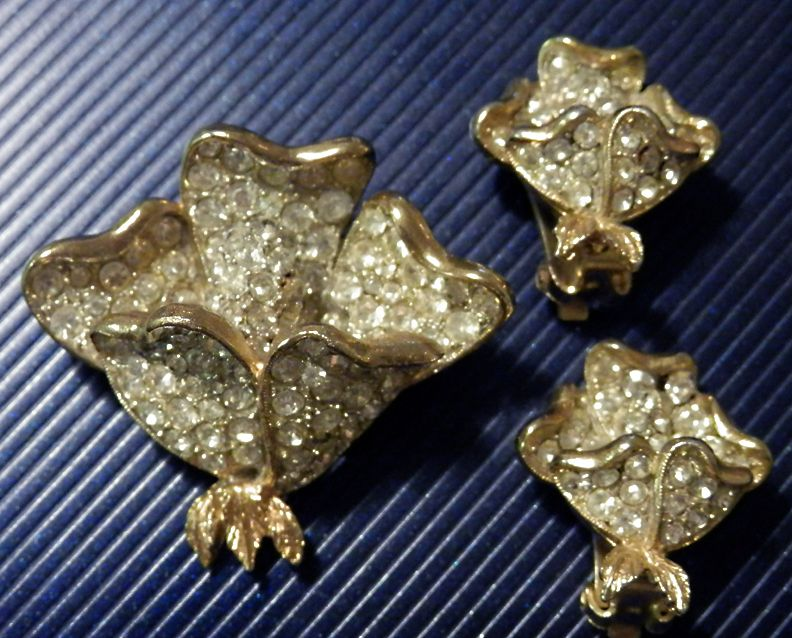 CAPRI Rhinestone Demi-Parure Brooch & Earrings