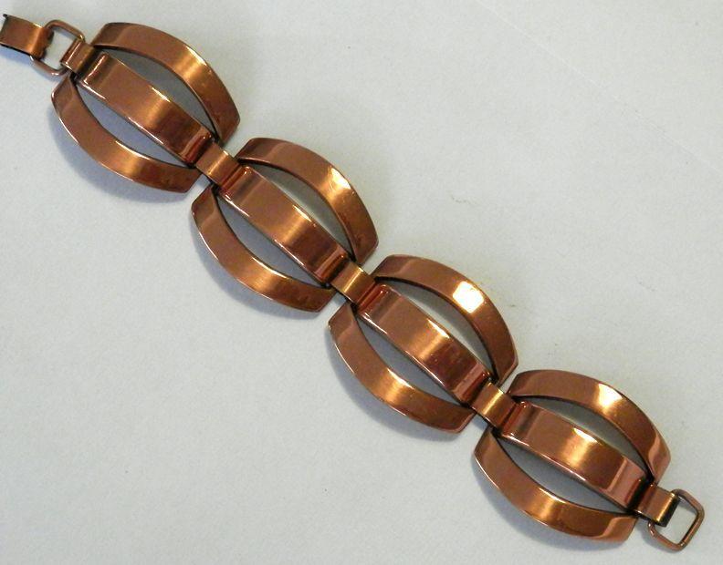 Large REBAJES Circular Link Bracelet