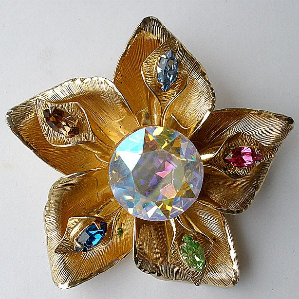 WARNER Headlight Floral Brooch