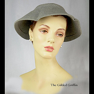 Vintage 1950s Retro Hat in Merino and Cashmere Grey Felt, Exquisite Condition!
