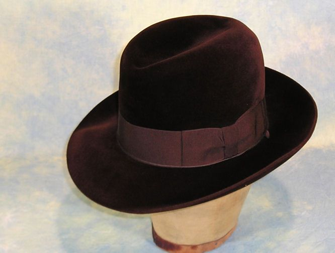 Luxurious 1940's Borsalino 'Qualita Extra Superiore' Brown Velour Felt Fedora Hat