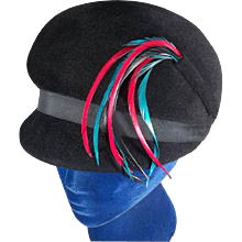 Delightful Mod 1960s Black Velour Felt Vintage Bubble Hat