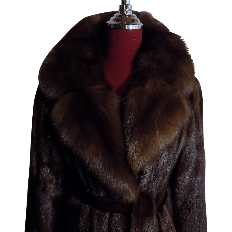 Exceptional Mahogany Mink coat Stroller w Sable Collar