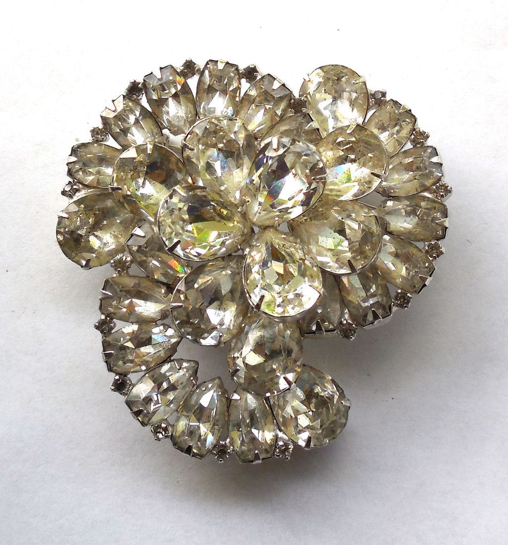 gorgeous vintage rhinestone brooch signed weiss from. Black Bedroom Furniture Sets. Home Design Ideas