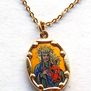 18K Gold UnoAErre Chain with 14K Gold Mother and Child Pendant