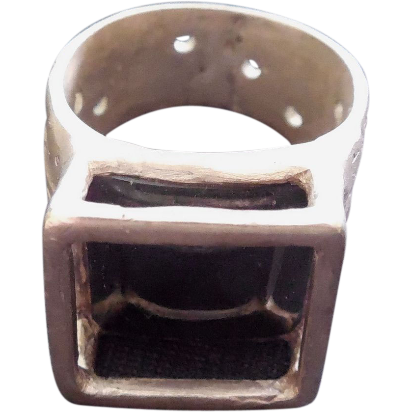 Signed Silver Ring With Caged Black Stone - ZigZag Mark