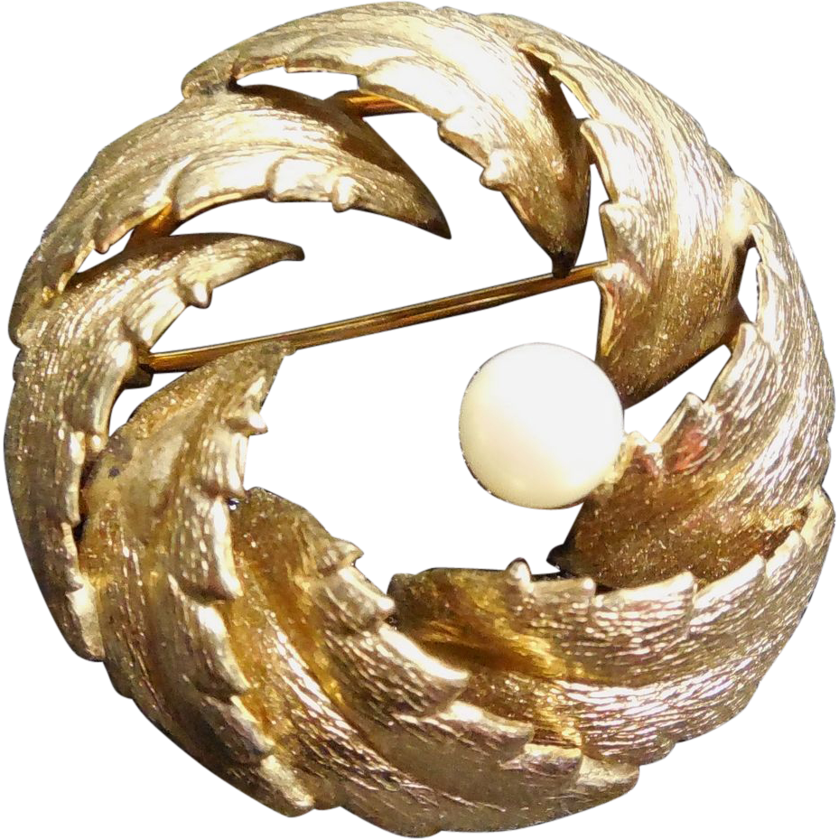 Lovely Vintage 12K GF Brooch Signed Winard - Pearl In Nest Of Leaves