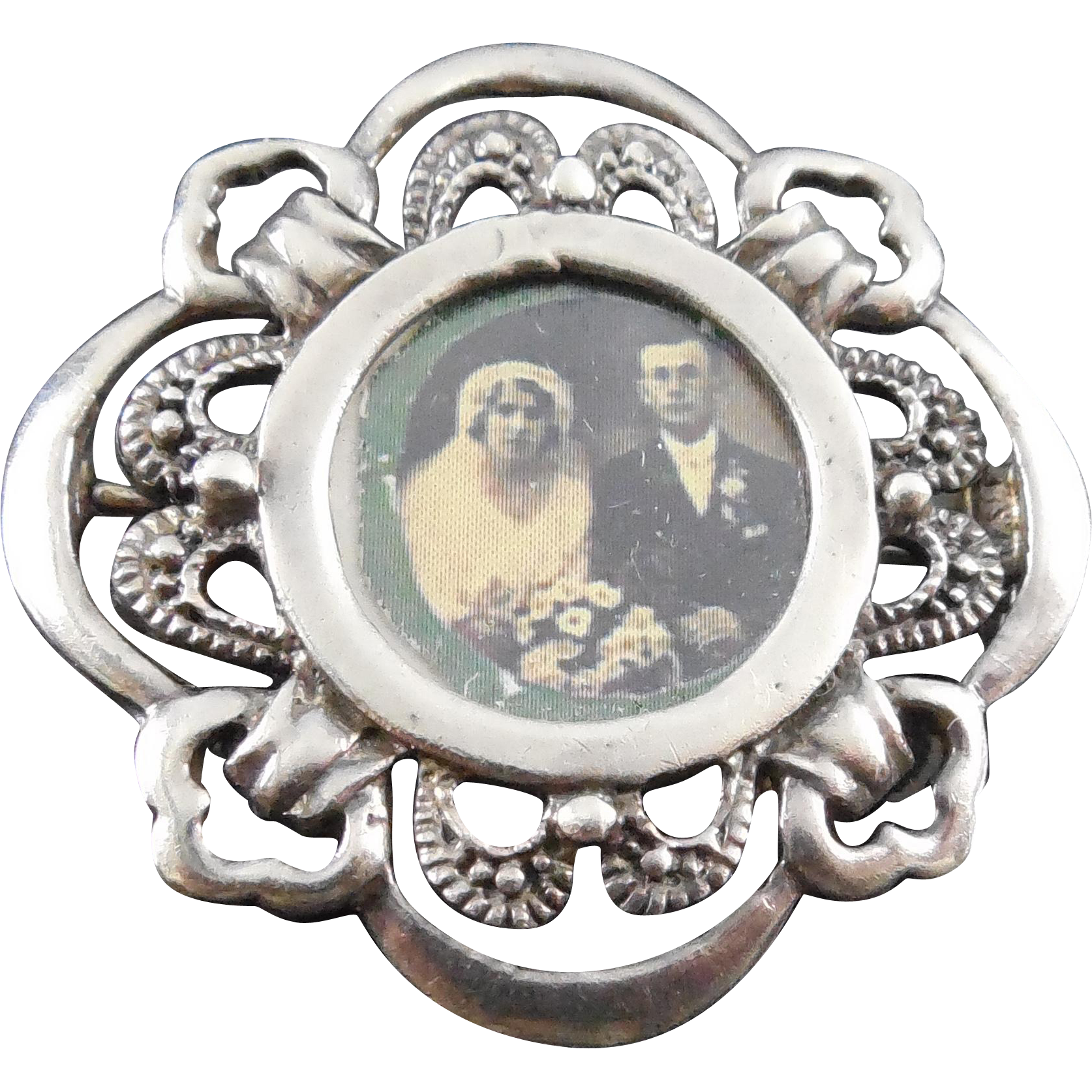 Lovely Vintage Sterling Silver Frame Brooch With Wedding Picture