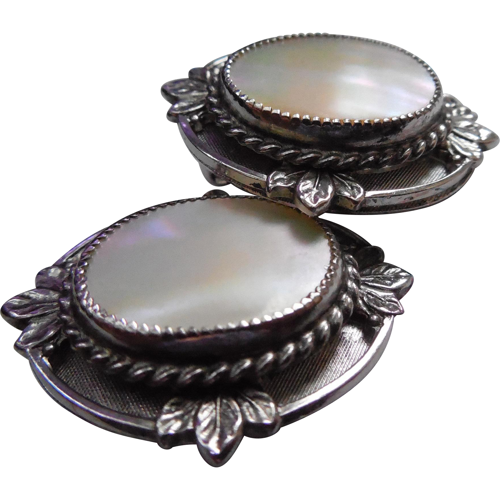 Vintage Signed Whiting & Davis Mother Of Pearl Shell Earrings