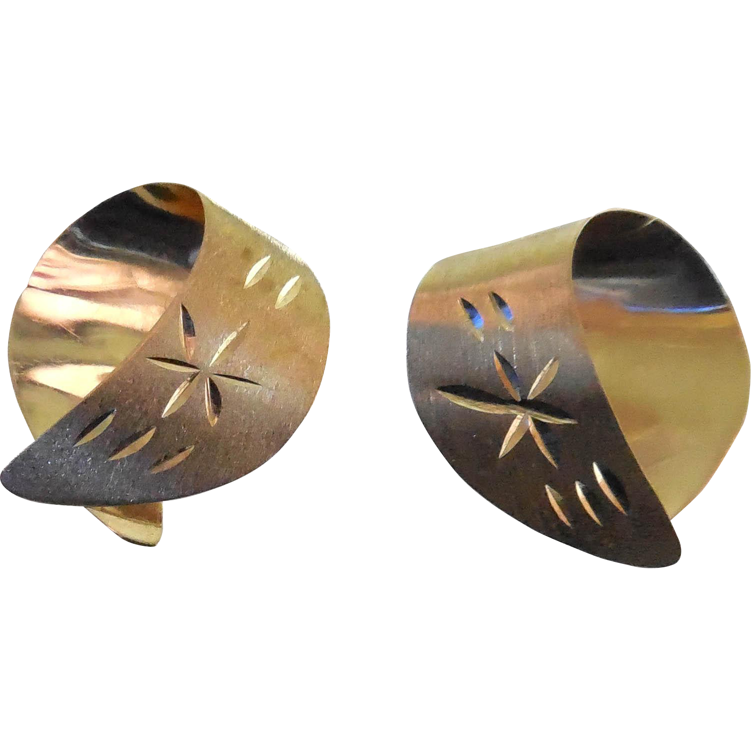 Simple, Yet Elegant! 14K Gold Estate Earrings With Etched Star Design