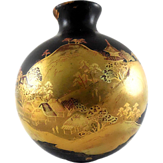Antique Japan Makie Wood Lacquer Vase with Mountain House Scene In Gold & Red