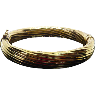 Beautiful Gold Over Sterling Silver Italian Bangle Twist Hinged Bracelet Signed V
