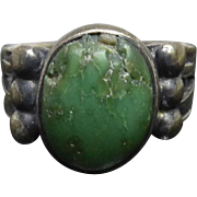 Older Vintage Native American Navajo Silver Ring With Green Turquoise Stone - Size 4