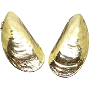 Beautiful Designer Signed Kenneth Lane Golden Oyster Shell Earrings