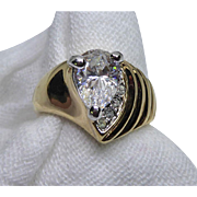 Beautiful Vintage Ring - Crystals In 18K GE Setting - Size 8