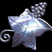 Vintage Sterling Silver Grape & Grape Leaf Brooch Signed DSC Sterling 925 & Eagle 3