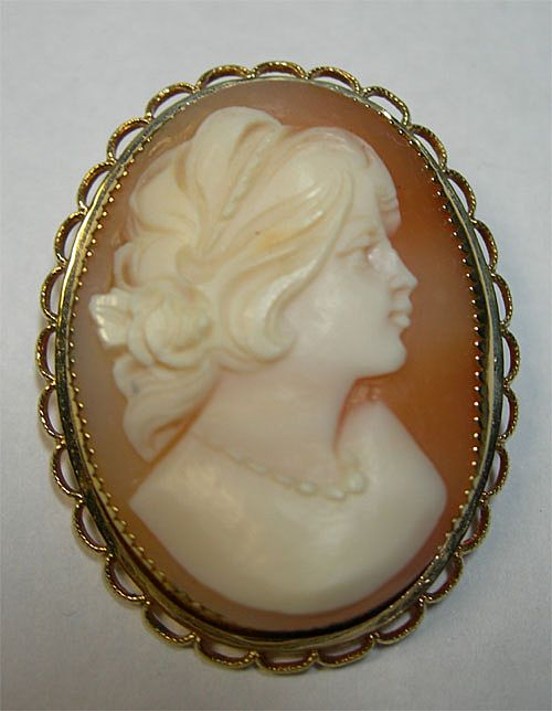 Vintage Gold Filled Artist Signed Carved Cameo Brooch