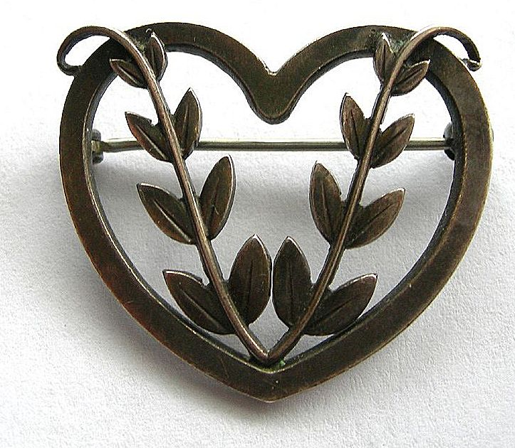 Georg Jensen Hearts & Vine Brooch - 242B