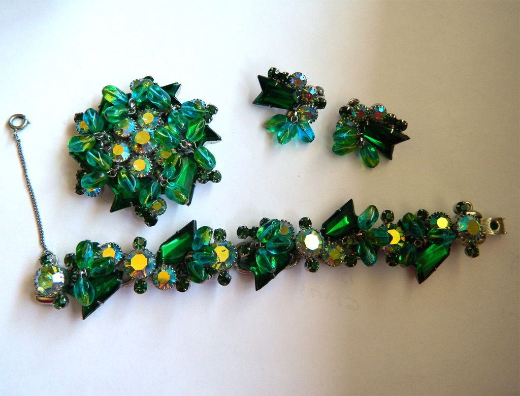 Gorgeous Juliana D&E Parure with Blue Green Arrow and Dangling Stones - Rhodium Plated