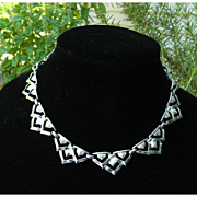 Vintage Coro Necklace - Silvertone Triangle Links