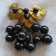Early Miriam Haskell black glass beads pin Pre-WWII