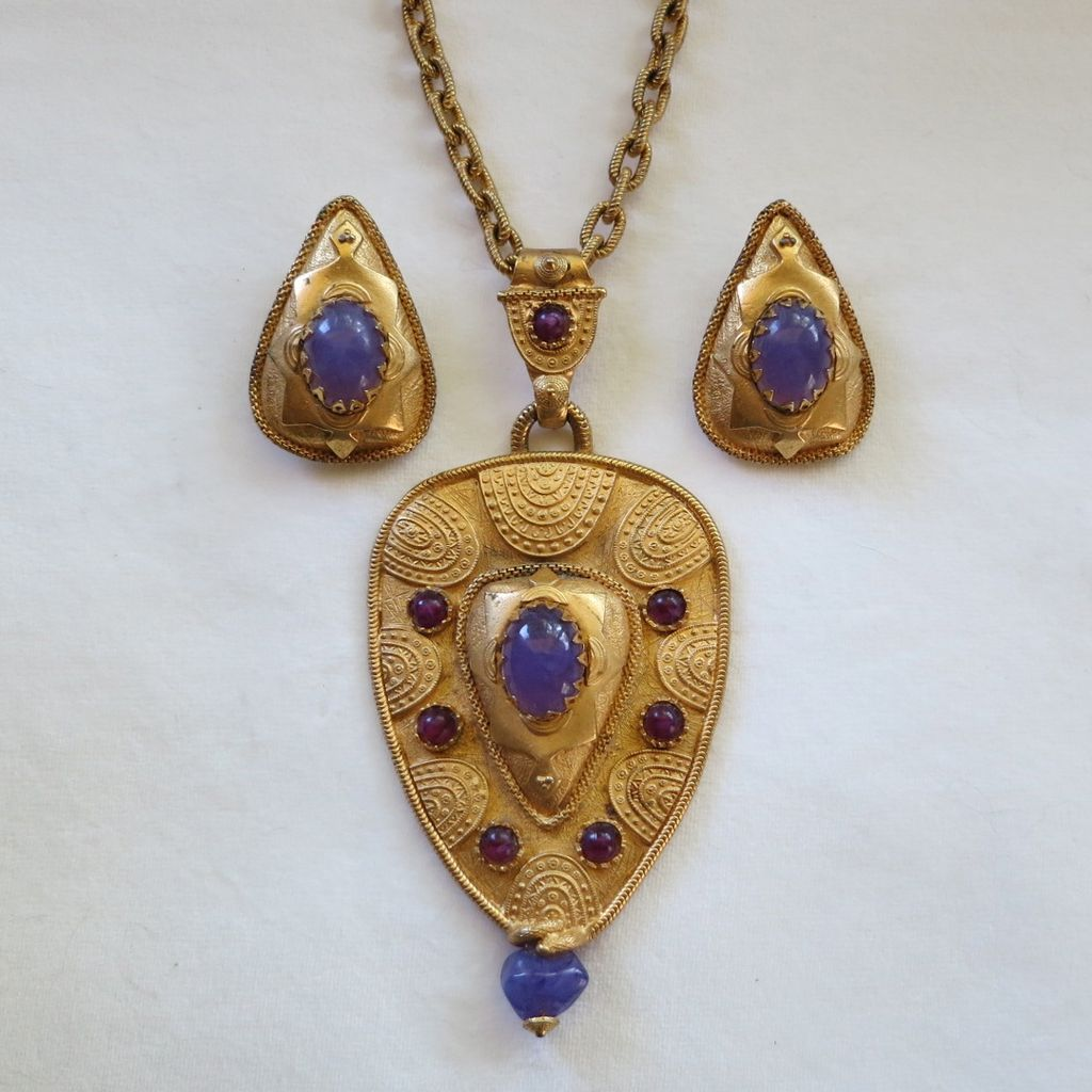Large Etruscan or Byzantine style pendant set with faux amethyst cabochons