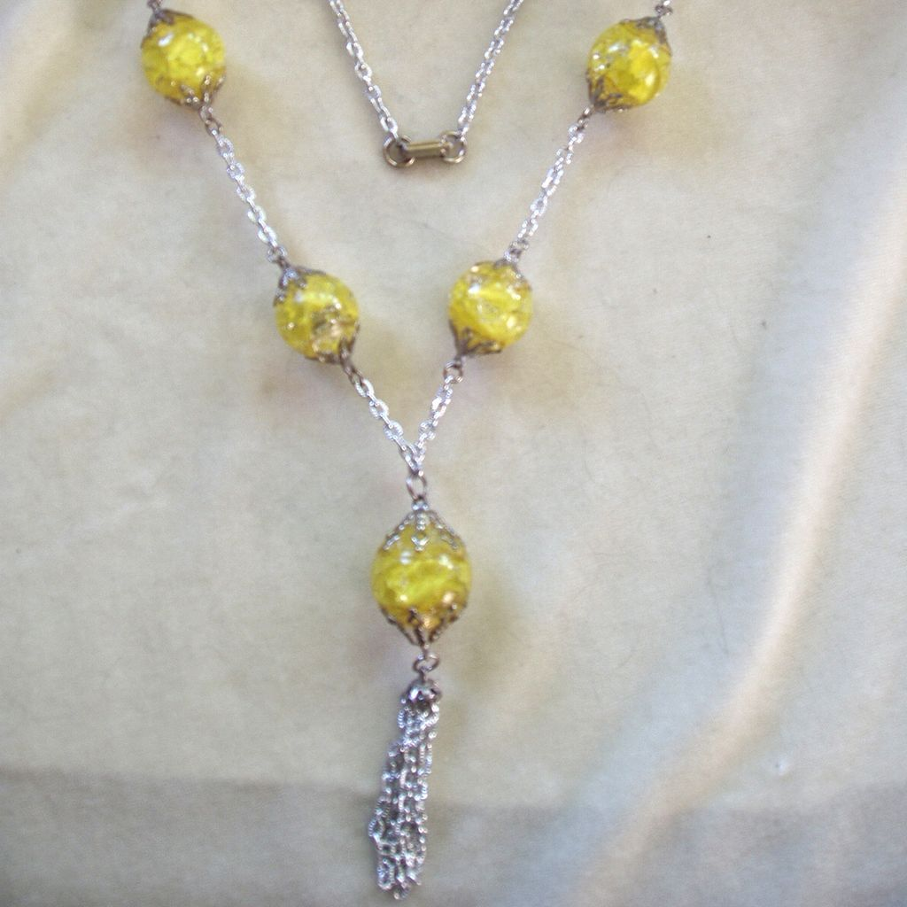 Vintage yellow green crackled glass fried marbles necklace