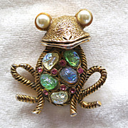 Hollycraft rhinestone figural frog brooch with lava rock cabs