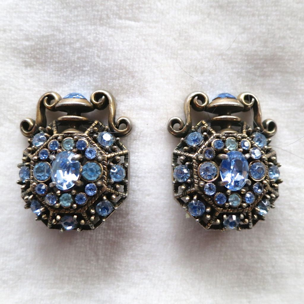 Hollycraft 1951 blue rhinestone urn earrings